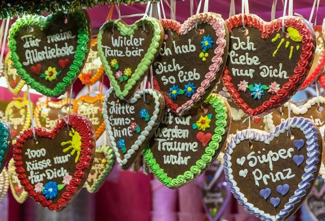 Lebkuchenherzen auf dem Weihnachtsmarkt