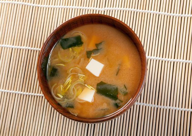 Tofu: Arten, Zubereitung, Kalorien & Nährwerte