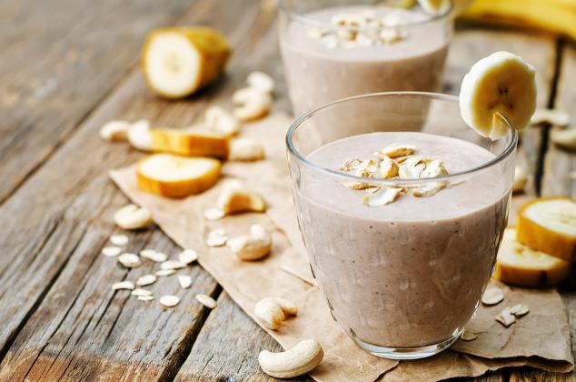 Cashew-Bananen-Haferflocken-Kakao-Smoothie