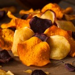 Gemüsechips: Kalorienarme Alternative zum fettigen Snack?