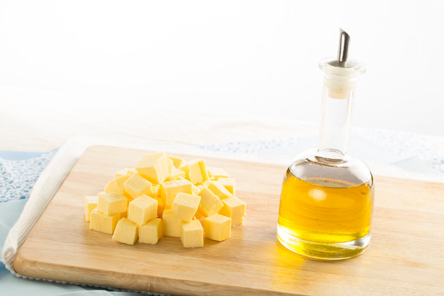 Butter und Olivenöl