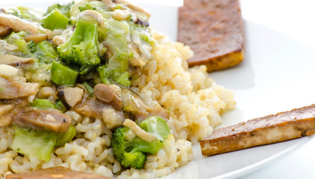 Rezept des Monats: Reis-Gemüse-Pfanne mit gebratenem Tofu